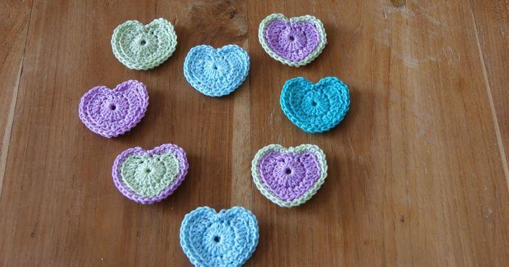 Blog over haken, gehaakte juwelen. Blog on crochet and jewelry, with translations