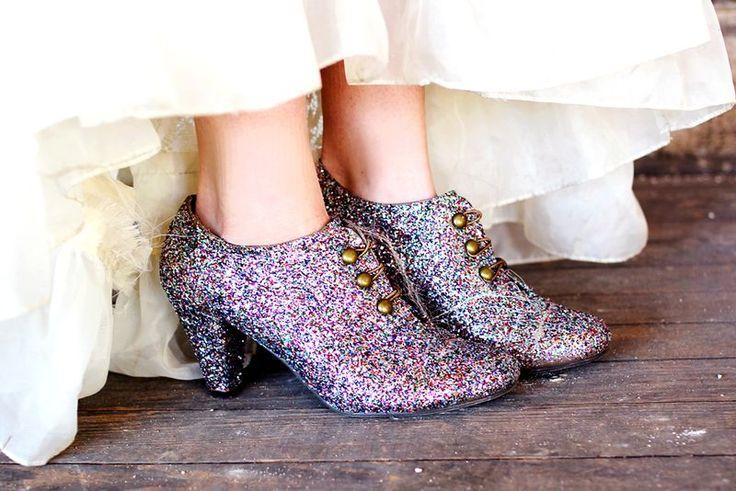 diy glitter shoes...