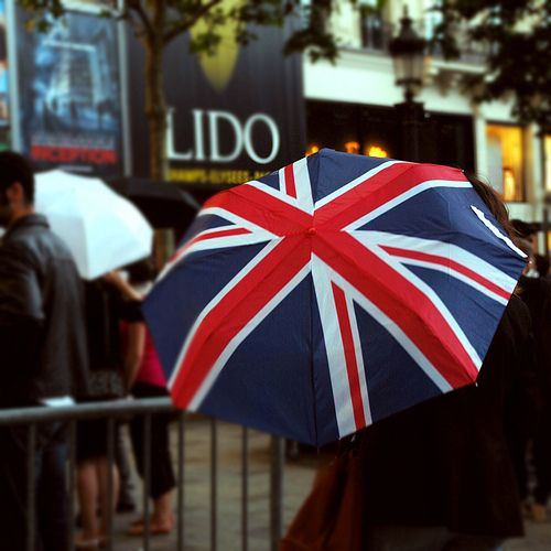 Note to self: Do not leave London without a union jack umbrella when we visit. I must have one.