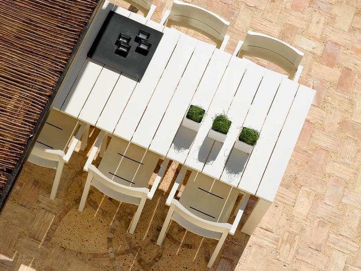 feelathome stockverkoop | design tuinmeubelen - Tribu Kos off white tafel