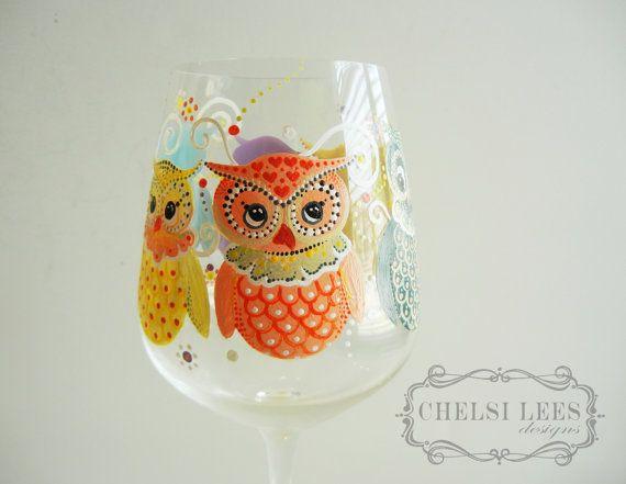 Vidro de vinho pintado à mão: Design Coruja - Coruja You Need Is Vinho
