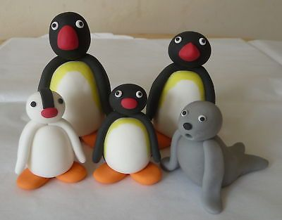 HANDMADE-EDIBLE-PENGUIN-FAMILY-BIRTHDAY-CAKE-TOPPER-SET