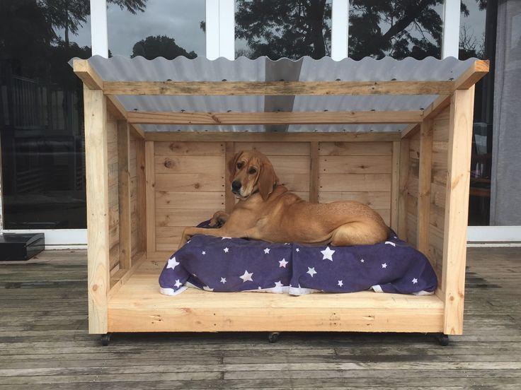 Roomy Pallet Dog Kennel