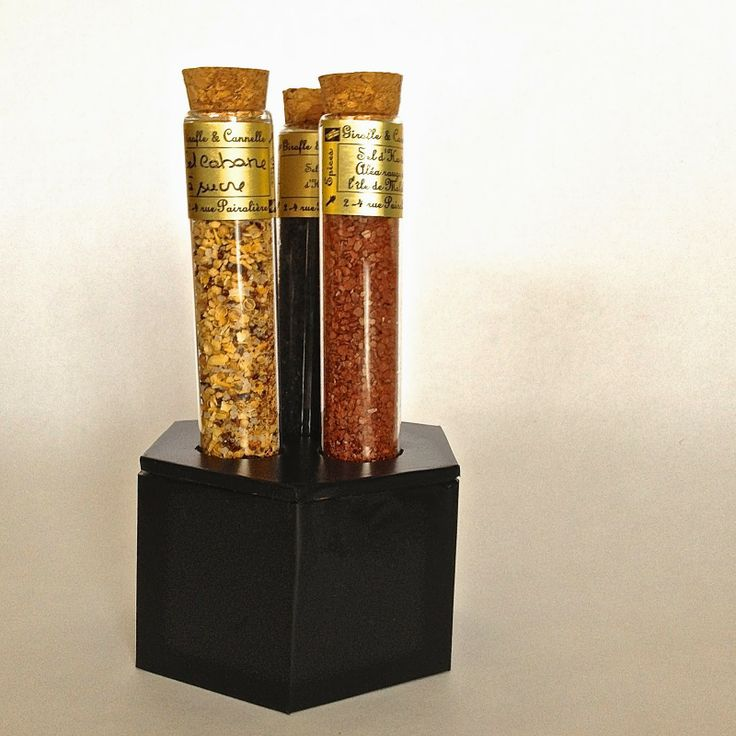 Rebekka's craft room: DIY test tube holder / Support pour éprouvettes