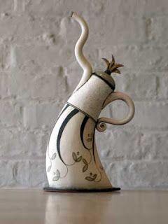 Dancing teapots • Hennie Meyer