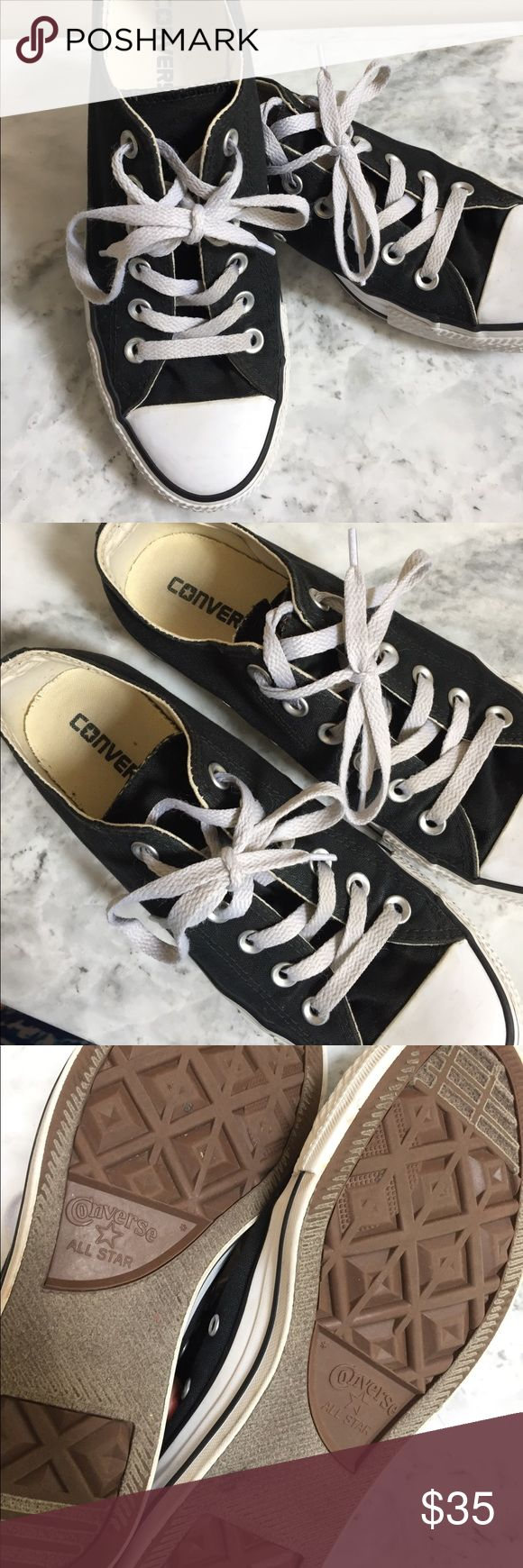Black converse low top shoes women's size 8 These black low top converse women's shoes have been very gently worn. Converse Shoes Athletic Shoes