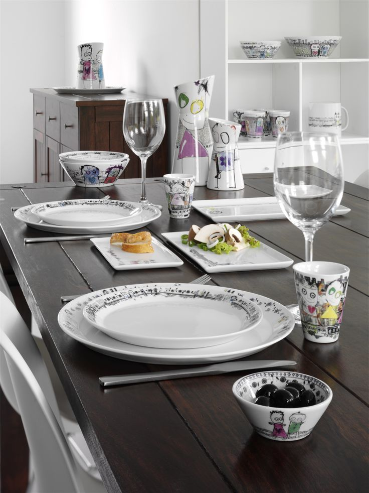 A perfect start on a perfect day. Be friends porcelaine by Poul Pava.