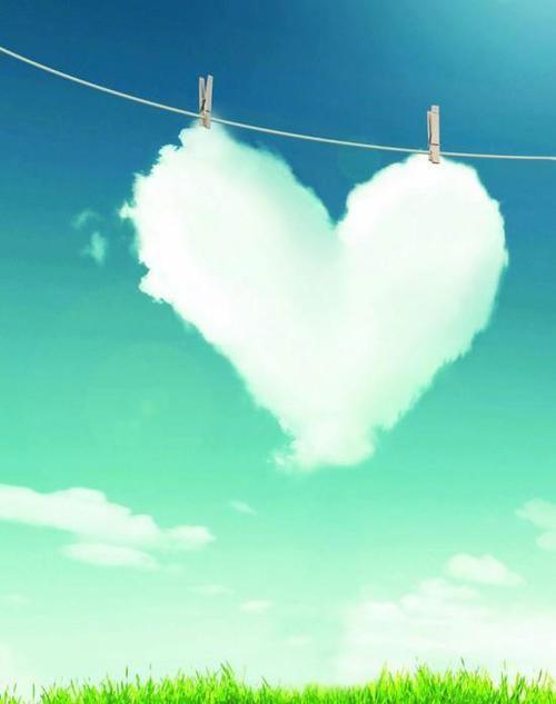 Hoje sinto-me assim......Leve com uma nuvem e apaixonada pela vida....