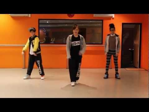 Learn a street dance routine - Black and Yellow