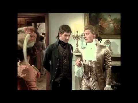 Best Moment from The Scarlet Pimpernel: Sir Percy Pwns Chauvelin - YouTube
