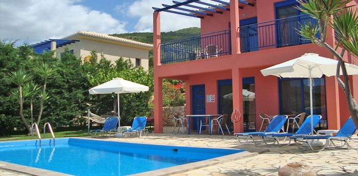 Amarandos Studios are 5km from Vassiliki, in Marantochori village. Rooms with WC, cooker, A/C, TV, wi-fi and parking. Relax in the green all around garden.