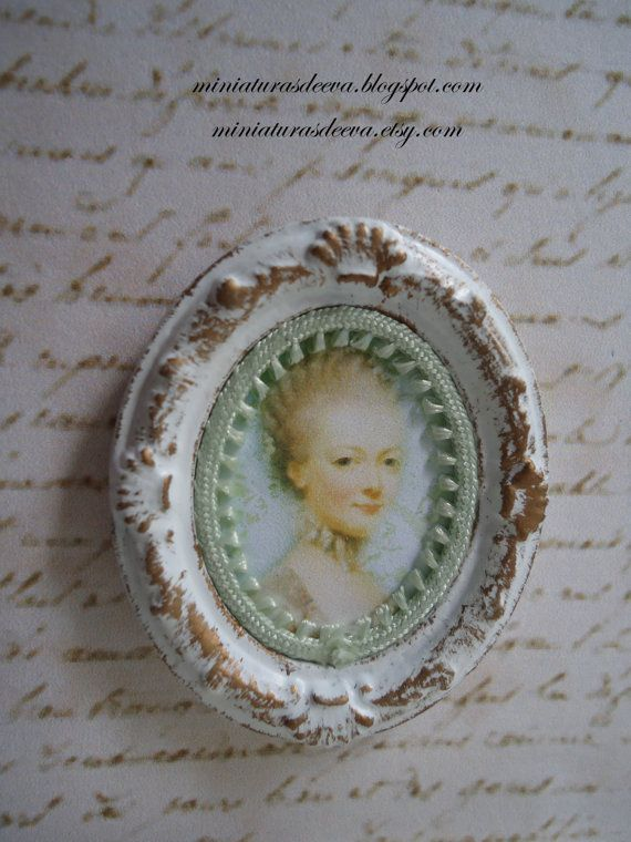 Oval framed picture Dame. Home decor for by MiniaturasDeEva, €7.00