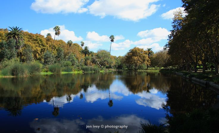 canon 450d. f10, 1/25, iso 100,17mm. reflections of clouds