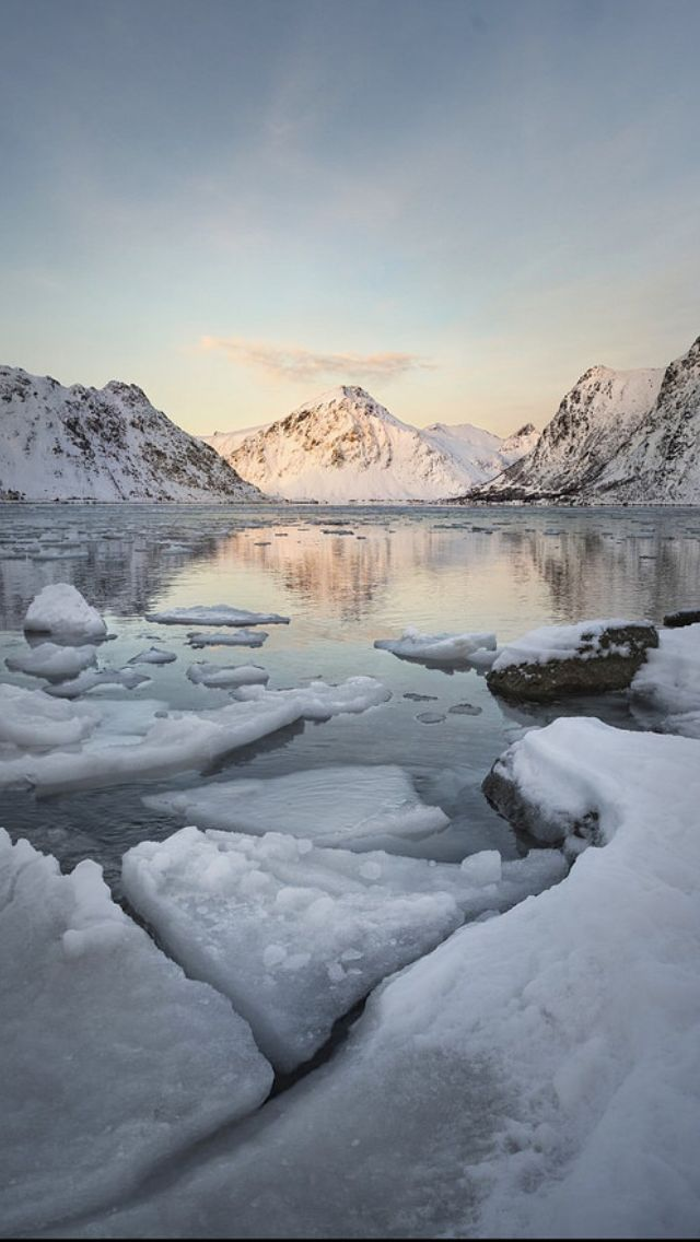 Norway Frozen Lake 80 Photo By: Kath Salier  Source Flickr.com