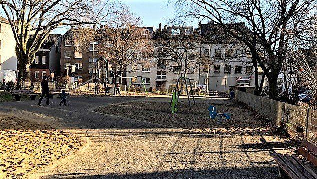 Spielplatz Gerhardplatz in Duisburg Meiderich strahlt im neuen Gewand