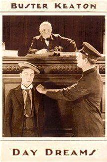 DVD CINE 2450-IV - Los sueños de Pamplinas (1922) EEUU. Dir: Buster Keaton, Edward F. Cline. Comedia. Sinopse: Buster márcha á cidade para demostrarlle ao pai da súa moza que pode ter éxito. El escribe acerca dos seus traballos e ela glorifícao na súa imaxinación. Imaxínao como cirurxián, cando só é axudante de veterinario, imaxínao como broker en Wall Street, cando en realidade é o home da limpeza...