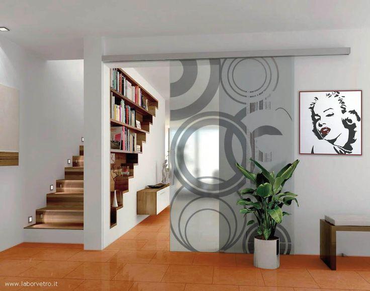 Oltre 25 fantastiche idee su porte scorrevoli su pinterest - Vetrate scorrevoli per interni ...