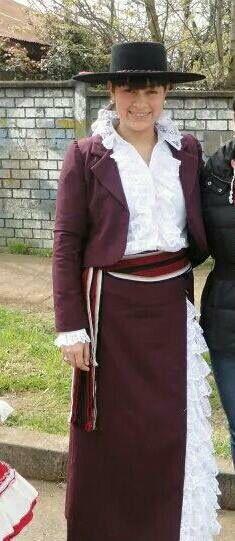 Vestido huasa chilena elegante