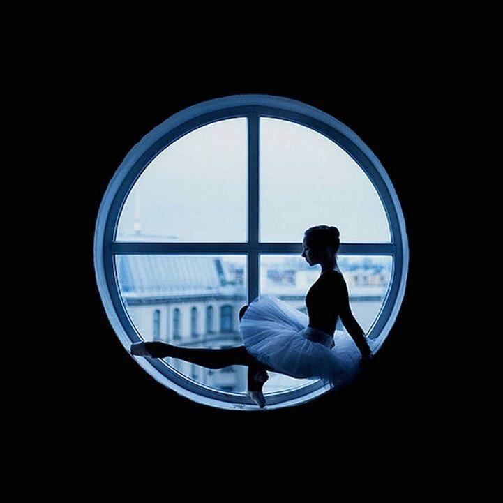 Agée de 24 ans, Darian Volkova est une photographe professionnelle russe, également danseuse de ballet au Théâtre de Saint-Petersbourg.