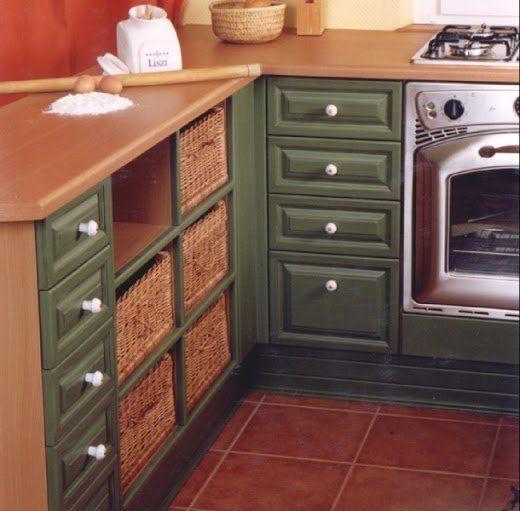 Be kell mászni a konyhaszekrénybe ha keresel valamit? Mitől lesz praktikus a tárolás? | Lakásművészet