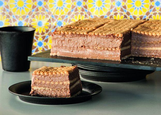 Μια πανεύκολη συνταγή για ένα, απλό, ανάλαφρο και υπέροχο γευστικά γλύκισμα. Μπισκοτογλυκό με πτι μπερ και στρώσεις σοκολάτας για όλες της ώρες αλλά και γι