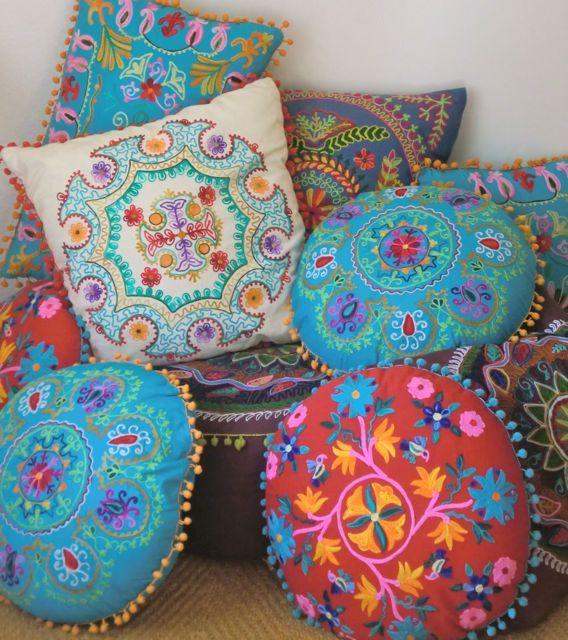 Mooie kleurrijke woonkussens van Toko Loco - Nice colorfull pillows from Toko Loco