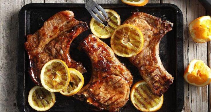 Για περισσότερη νοστιμιά Μπορούμε να κάνουμε τα ψητά κρέατικα και το κοτόπουλο πιο τρυφερά και νόστιμα; Φυσικά, αν τους προσθέσουμε την κατάλληλη μαρινάδα. >>>> Διαβάστε επίσης: Πώς να διατηρήσετε ζωντανό το χρώμα των κομμένων φρούτων