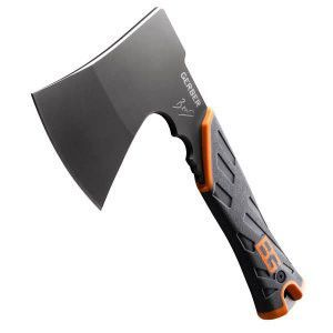 Don't let the compact size and slim profile of this hatchet fool you. With most of its heft concentrated in the head, it is definitely a tool that chops above its weight class. Combining Gerber's deca