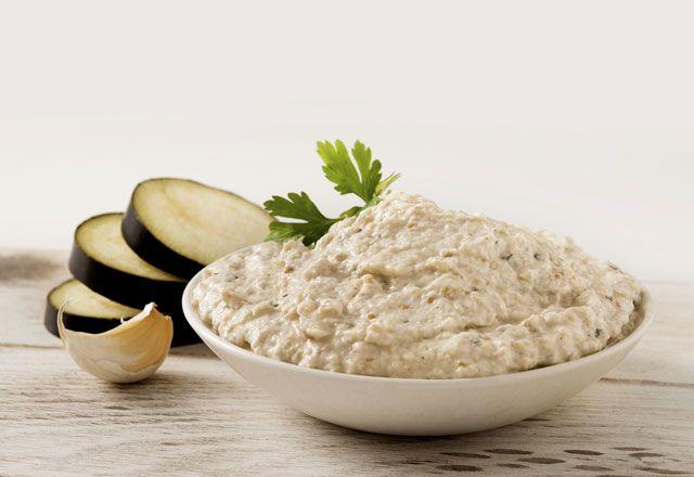Ceviz ve tahin soslu patlıcan salatası tarifi