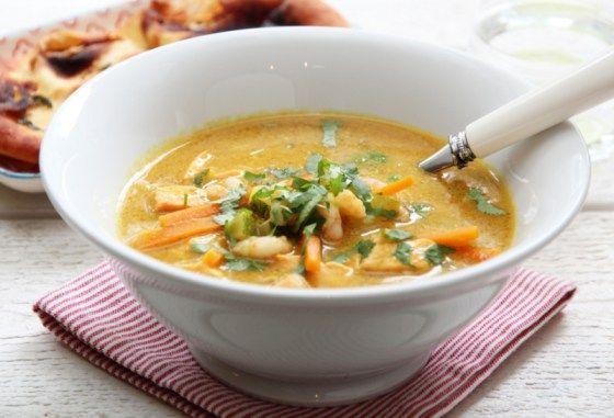 Currysuppe med laks og reker