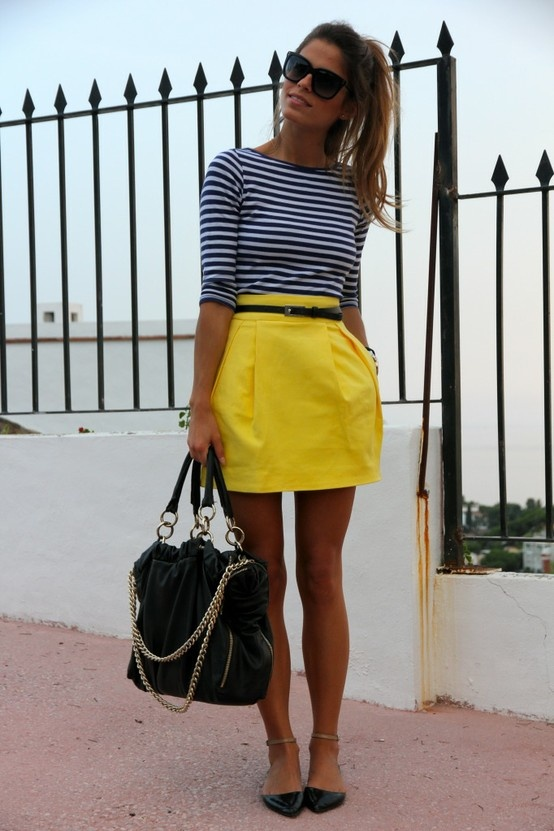 Stripes with yellow skirt & black accessories