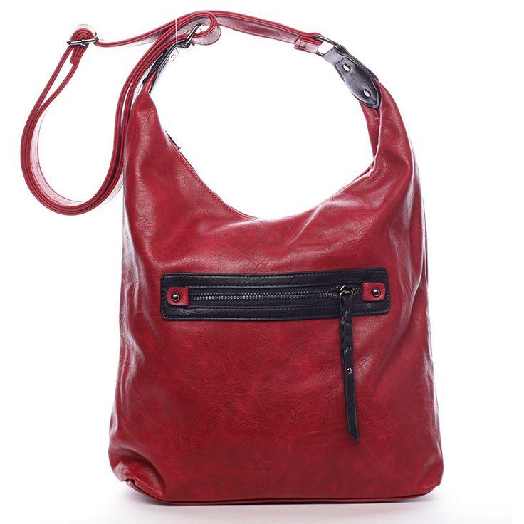 #crossbody  Kabelka pro každý den od Delami. Červená dámská kabelka přes rameno nebo crossbody. Kabelka má dělený vnitřek a  pevné dno. Nastavitelný popruh umožňuje dát kabelku snadno jako crossbody přes hlavu. Na přední i zadní straně je kapsa na zip. Uvnitř jsou další menší kapsy na drobnosti. Pořiďte si tuto modní a elegantní měkkou kabelku pro každý den.