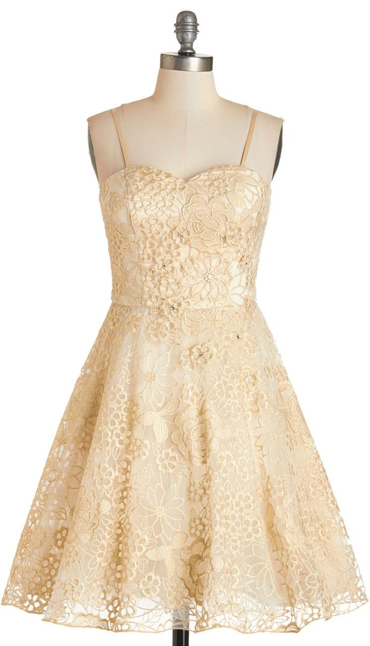 Simple elegance in lace.VeryPretty.