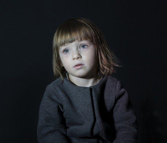 Children Hypnotized by TV – Fubiz™ by Donna Stevens http://www.donnastevens.com.au/