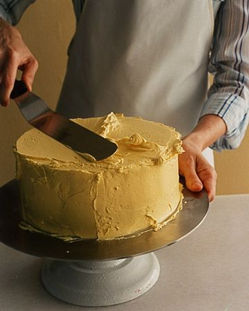 Martha Stewart's guide to the basics of frosting a layer cake