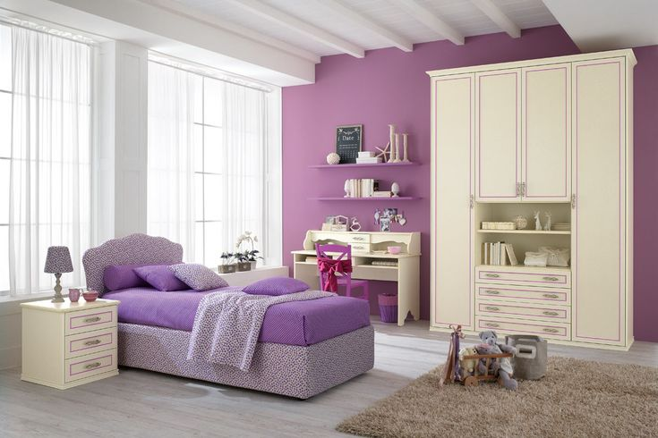 A space to dream designed with the heart, where every corner is magic. This is the solution of bedroom furniture Romantic. http://www.spar.it/sp/it/arredamento/camerette-rom-100.3sp?cts=camerette_romantica