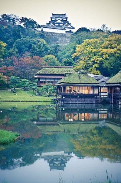Taman Genkyuen dan Kastil Hikone