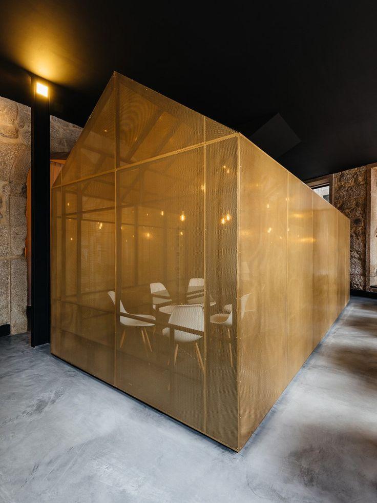 Escritório para Agência Imobiliária no Porto . Ricardo Caetano de Freitas   Arquitectura