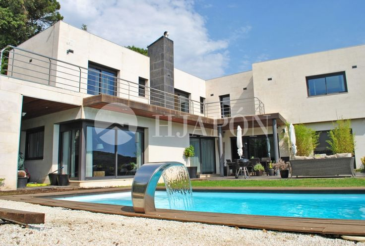 Exclusive, custom-made house for sale in Vallromanes, Barcelona