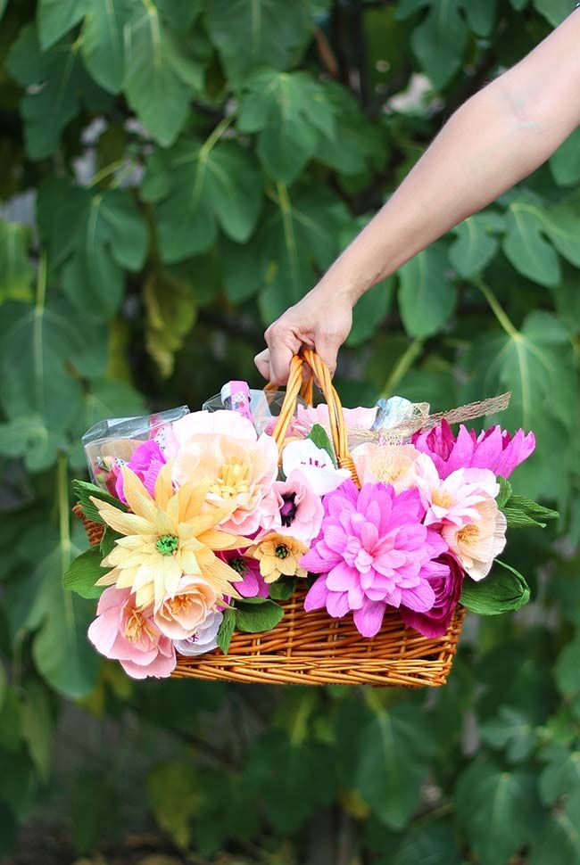 As Flores De Papel Crepom Ficam Lindas Em Arranjos E Ainda Que