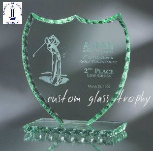 Yoonly is specializes in the design and  manufacture all type latest unique high quality custom glass trophies for all occasion. Check out our huge collection of attractive design custom glass trophies for all occasion like school, offices or sports. Visit our site for more info.