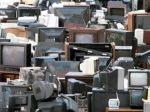 Los diputados franceses han aprobado en la Asamblea que establecer una duración determinada de un producto por un fabricante, la denominada obsolescencia programada, se puede castigar penalmente, acarreando una pena de prisión de dos años y una...