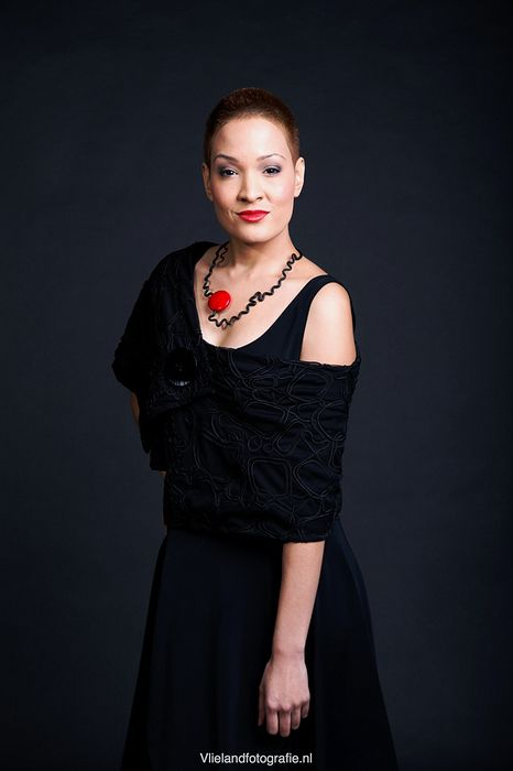 black collar by Gracy