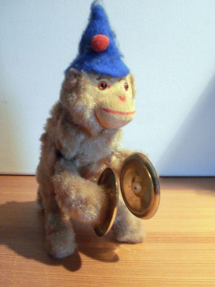 Max Carl Affe mit Schellen mechanisch um Aufziehen Antik. So einen Affen hatte ich auch.