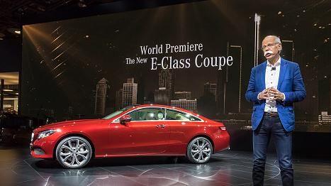 Mercedes-Chef Dieter Zetsche präsentierte auf der Detroit Auto Show das neue E-Klasse Coupé