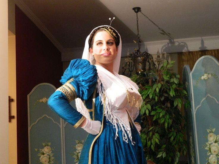 Η παραδοσιακή νυφιάτικη φορεσιά της Λευκάδας | ΕΛΛΑΣ