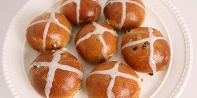 Easy Easter Hot Cross Buns Recipe