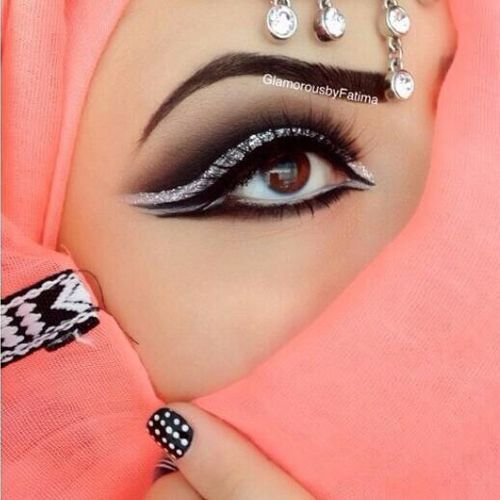 Silver and whit help open eyes; 10 Best Arabian Eye Makeup Tutorials With Step by Step Tips