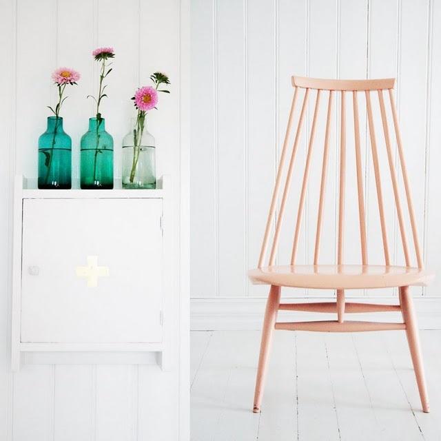 Mademoiselle Lounge Chair (1956) by Finnish designer Ilmari Tapiovaara