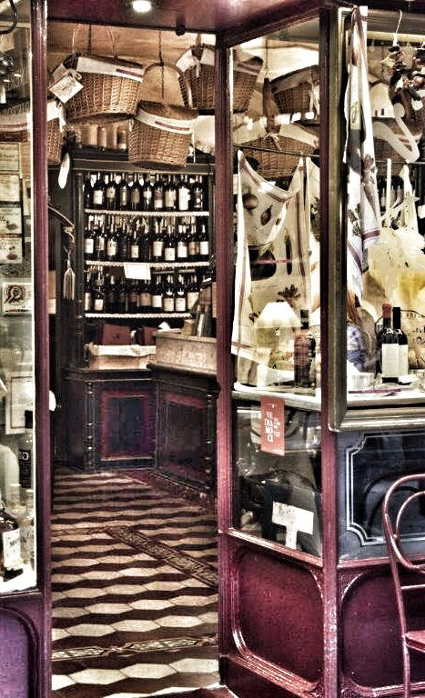 A small wine shop with kitchen. italian beauty